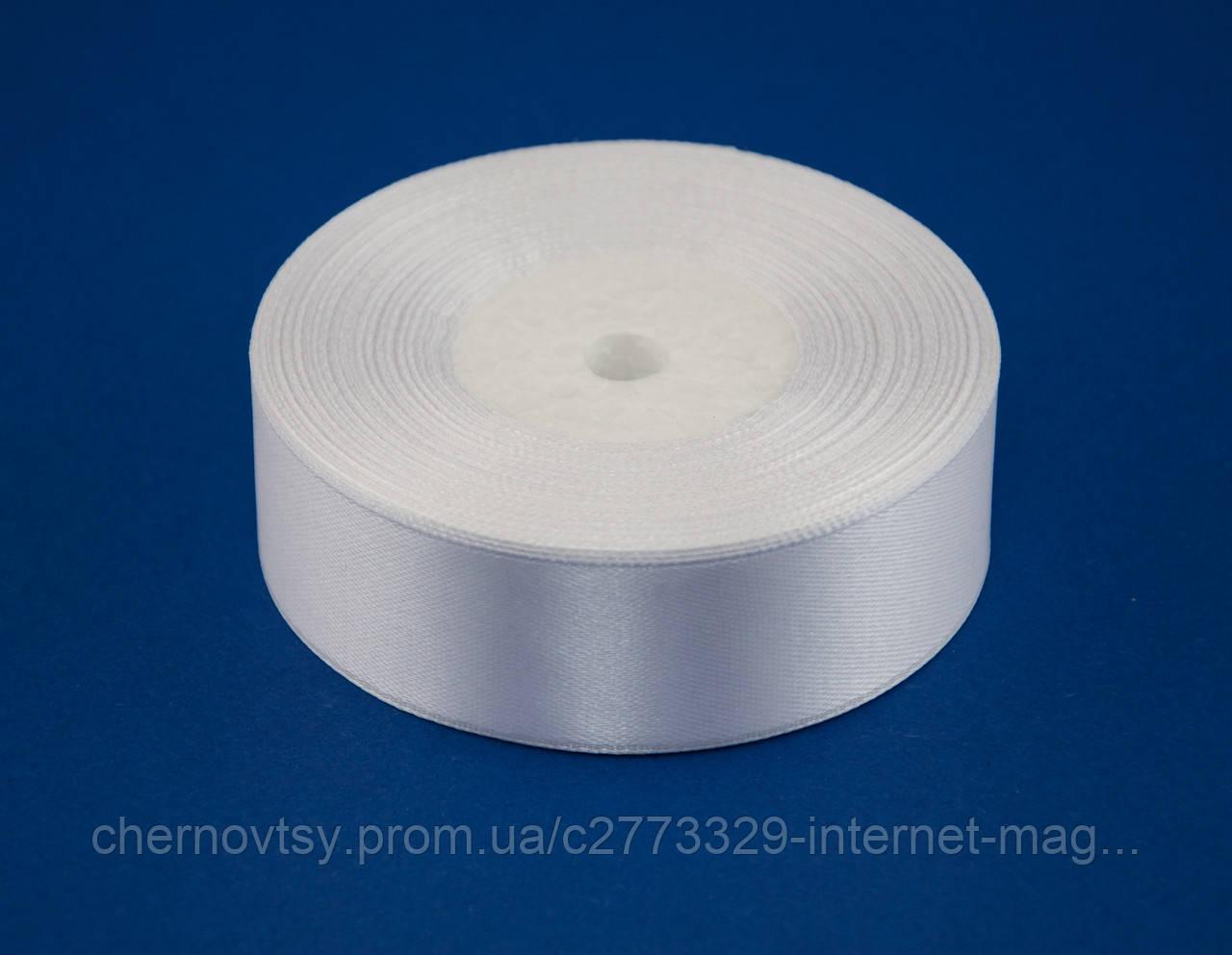 Лента атлас 2.5 см, 33 м, № 01 белая