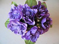 Цветы вишни с листиками цвет фиолетовый.