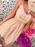 Женское платье из органзы с бусинками и цветами