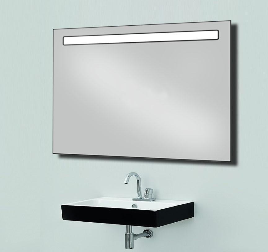 Зеркало со светодиодной подсветкой 800х600 мм.