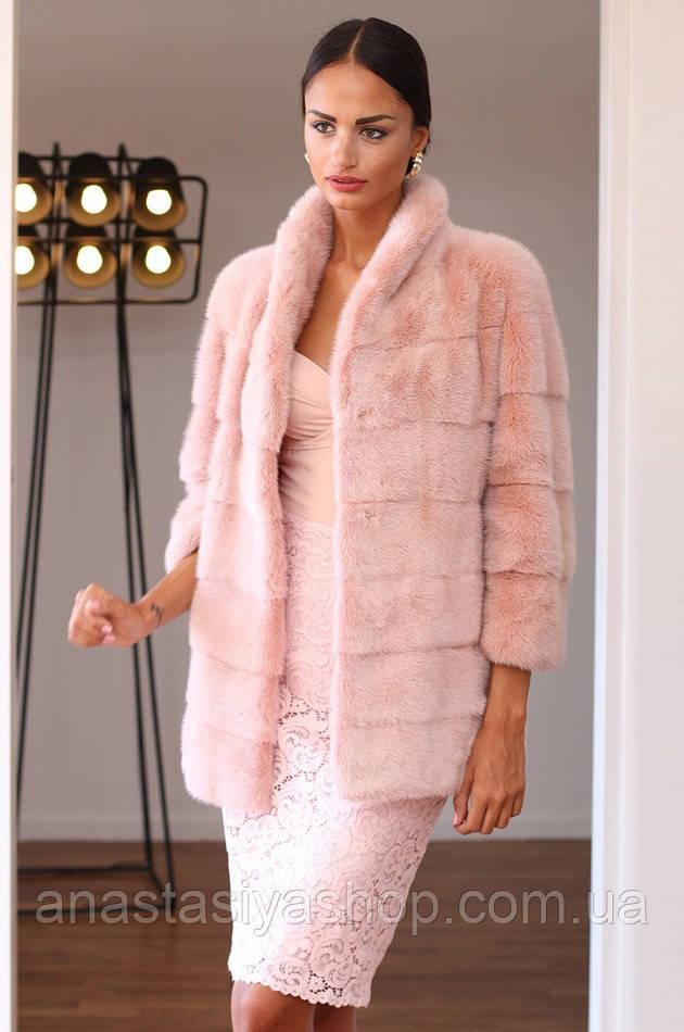 af29b406687cd Качественная одежда от Украинских производителей с нова возвратилась на  модные подиумы страны.Шубы, жилетки из натурального меха - тренд этого  сезона.