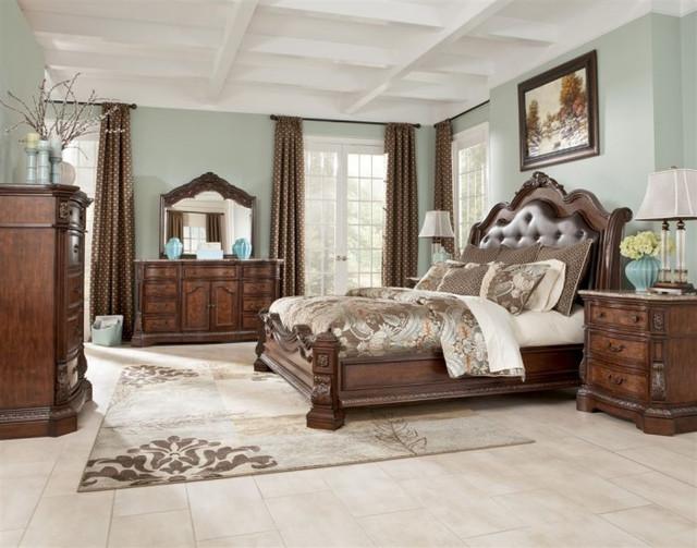 """Спальня из дерева """"Ledelle"""""""