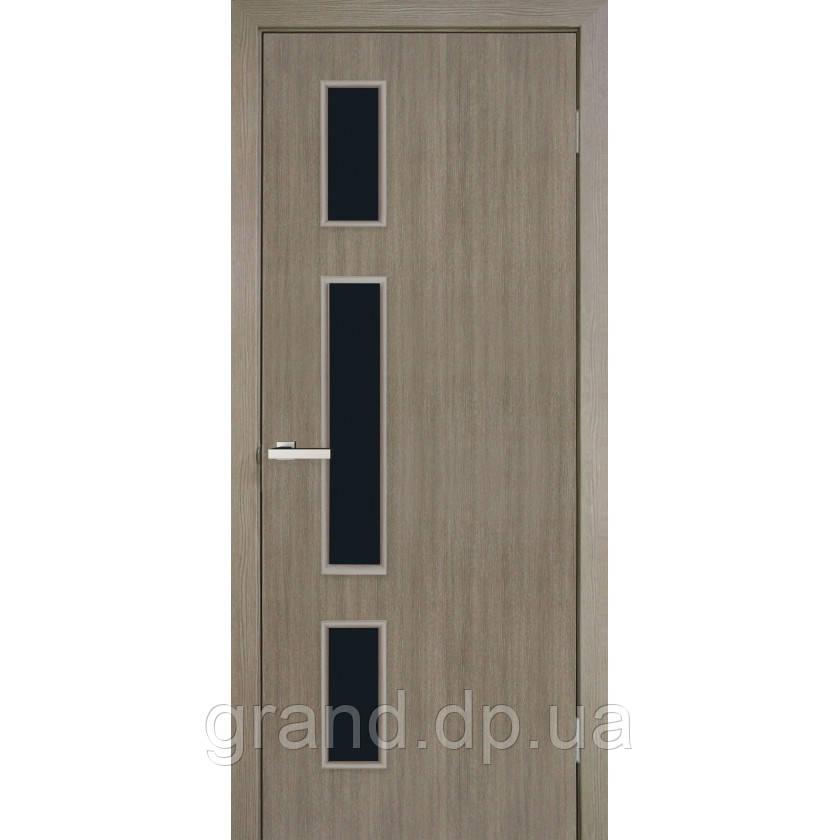 Двери межкомнатные Омис Соло с черным стеклом экошпон,цвет сосна мадейра
