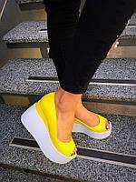 Женские туфли танкетке 10 см, натуральная кожа, желтые /  туфли для девочек, модные