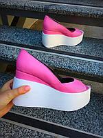 Женские туфли танкетке 10 см, натуральная кожа, розовые на белой подошве /  туфли для девочек, удобные