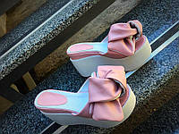 Женские шлепанцы на платформе 10 см, кожаные, розовые / шлепки женские с бантом, модные, удобные