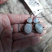 Элегантные серьги с лунным камнем в серебре. Серьги с камнем лунный