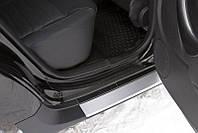 Накладки на внутренние пороги дверей (Вариант2) Renault Duster 2010-2014 г.в.( Рено Дастер)