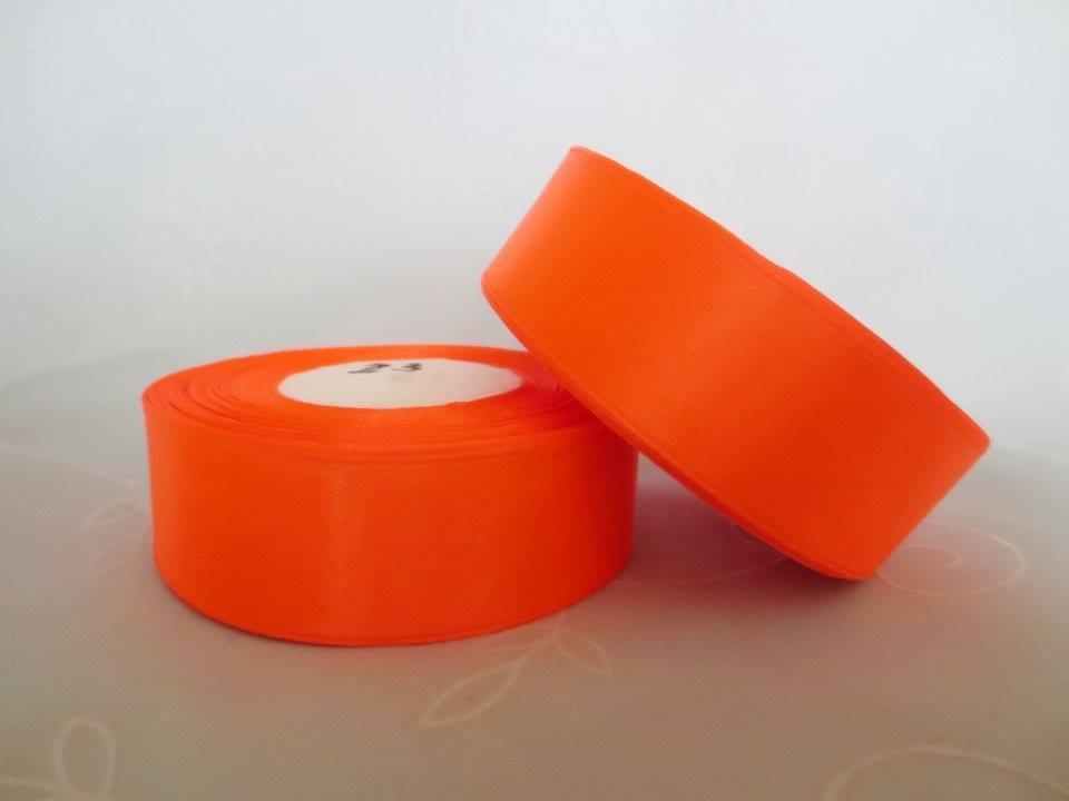 Лента атласная. Цвет  неоново оранжевый. Ширина 2.5 см