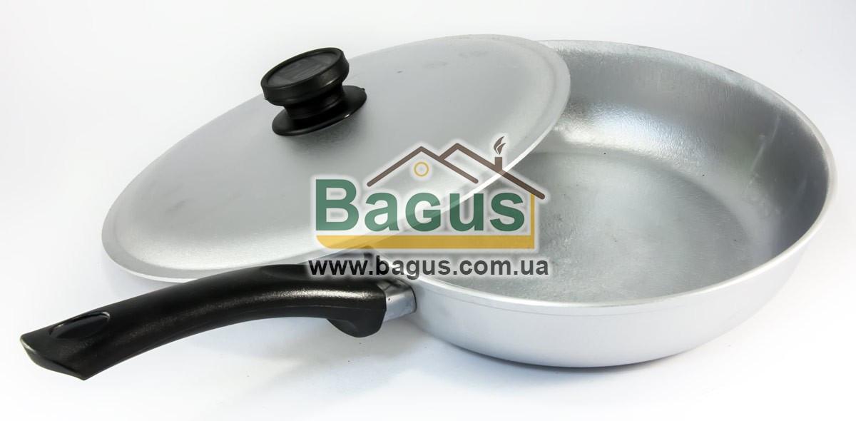 Сковорода алюминиевая 26см с ровным дном, бакелитовой ручкой и крышкой Биол (A263)