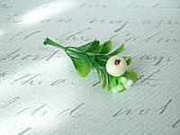 Декоративная веточка с листиками и ягодкой, фото 1