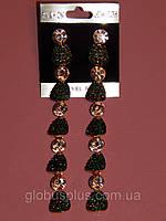 Серьги длинные, россыпь камней, белые и зеленые камни, металл под золото 000315, фото 1