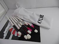 Кисти для макияжа Kylie в белом чехле