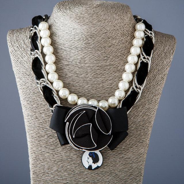 Колье и ожерелья в Романтическом стиле