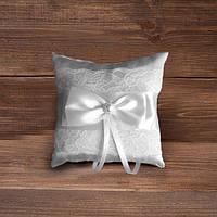 Свадебная подушечка для колец с кружевом