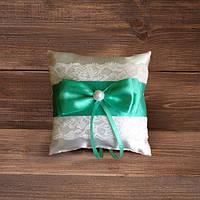 Свадебная подушечка для колец с кружевом с зеленой лентой