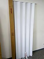Дверь ширма гармошка, 822 белая , 820х2030х0,6 мм, раздвижные межкомнатные пластиковые глухие