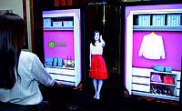 LG показала гибкий 4K OLED экран ростом с человека