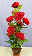Красная бархатная роза искусственная в вазоне
