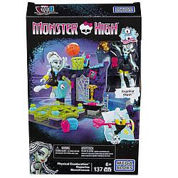 Конструктор Спортомания Mega Bloks Monster High Frankie Physical Deaducation