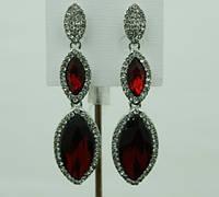 674 Праздничные красные- длинные серьги- серьги подвески на торжество