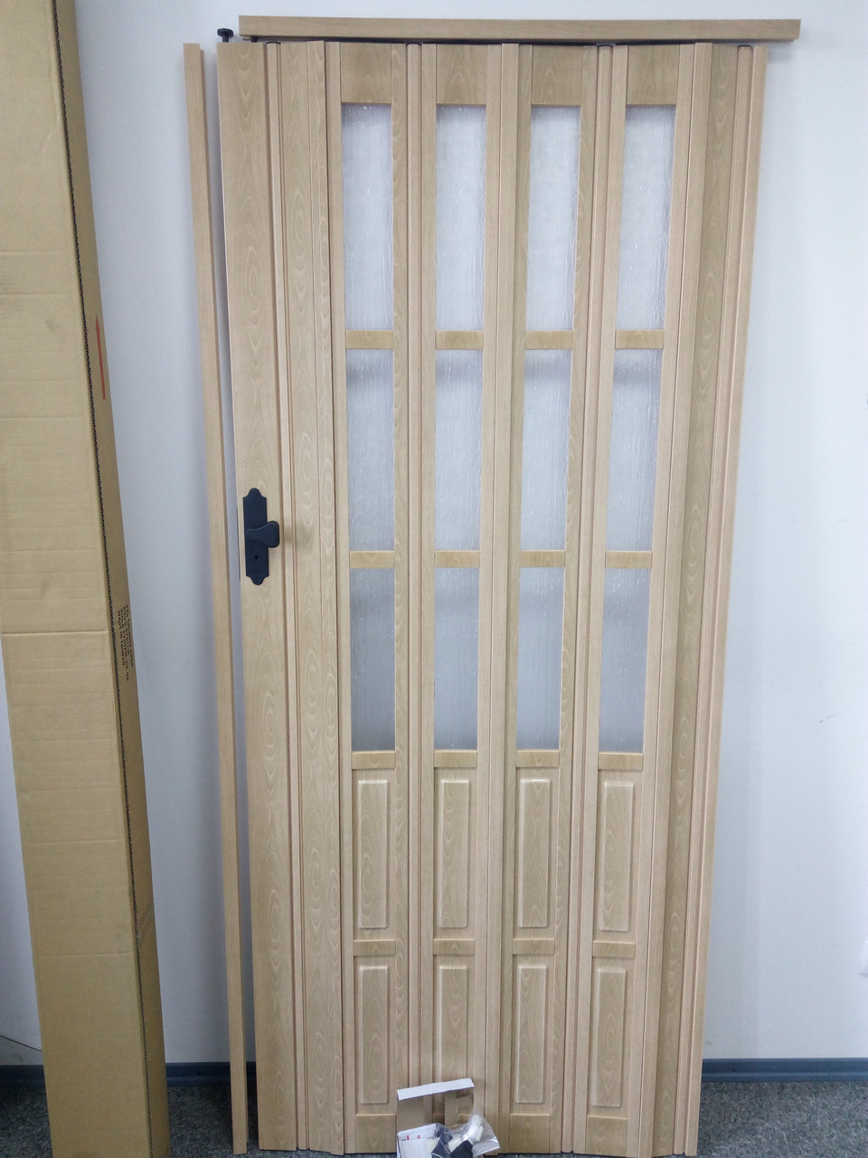Дверь гармошка межкомнатная полуостекленная, бук матовый 803, 860х2030х10мм