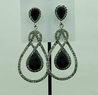 701 Черные длинные праздничные серьги с черными камнями