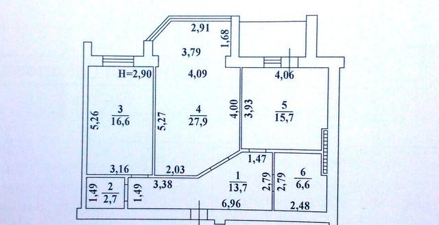 Предлагаем к продаже прекрасную 2-х комнатную квартиру на 5-ом этаже, с просторной кухней 16 метров, которую можно увеличить за счет лоджии до 22 метров, получив при этом 2 (две) спальни и кухню-студию
