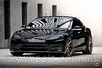 Tesla Model S на дисках Vossen VPS-310