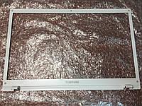 Samsung NP305 рамка матрицы