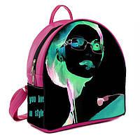 Розовый молодежный городской рюкзак с принтом Девушка