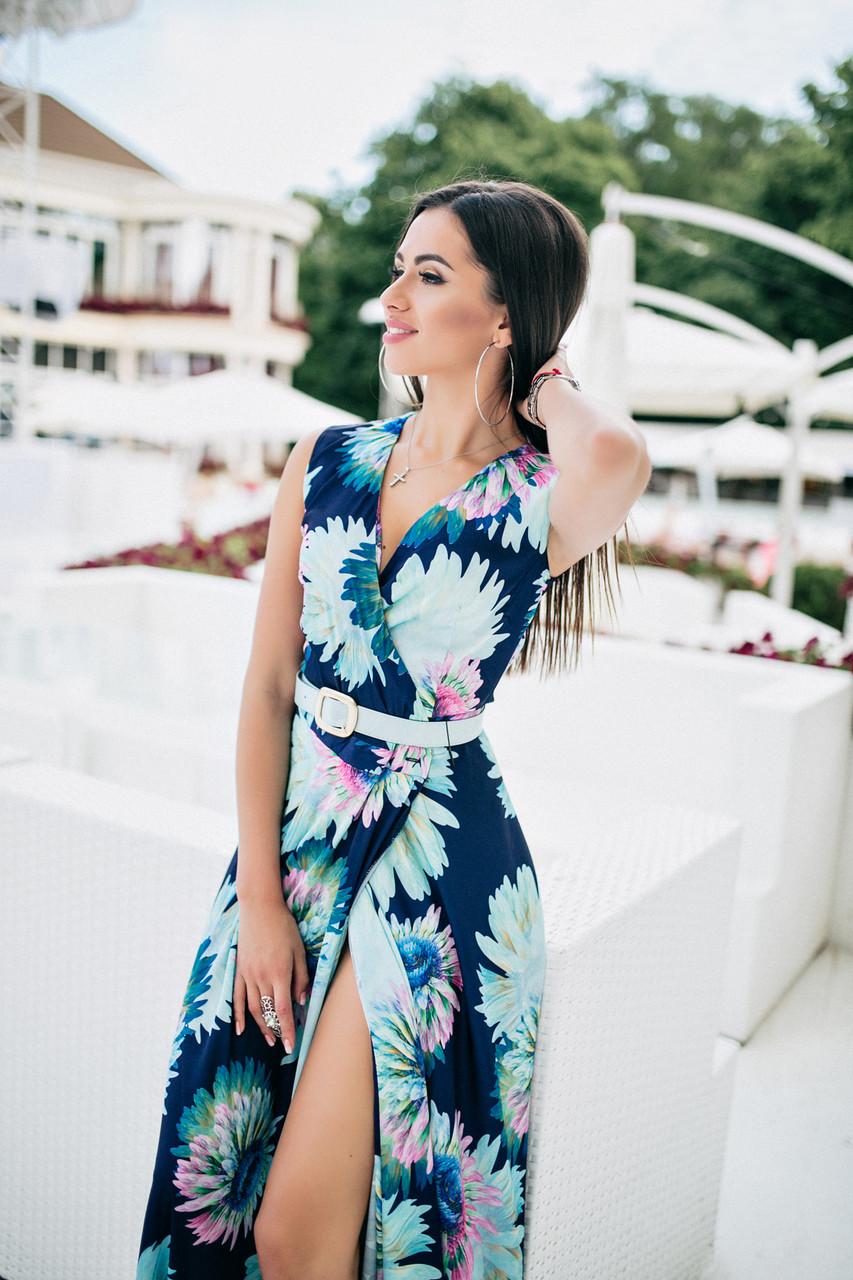 Шикарное платье с V-образным декольте в цветочный принт, пояс в комплекте.