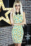 Летнее платье-футляр лимонного принта
