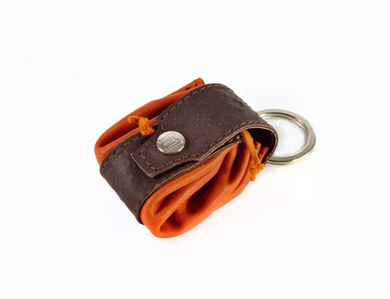 Брелок для ключей из кожи 540-07-63