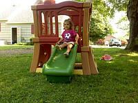 Step 2 Детский игровой уголок Башня с разноцветными горками