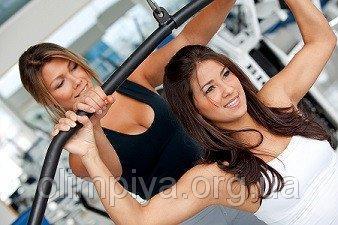 Тренировки в тренажерном зале для начинающих спортсменов в школе Олимпия