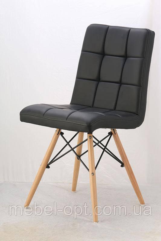 Стул Оскар  на деревянных ножках, сиденье из черного кожзама простроченного квадратами