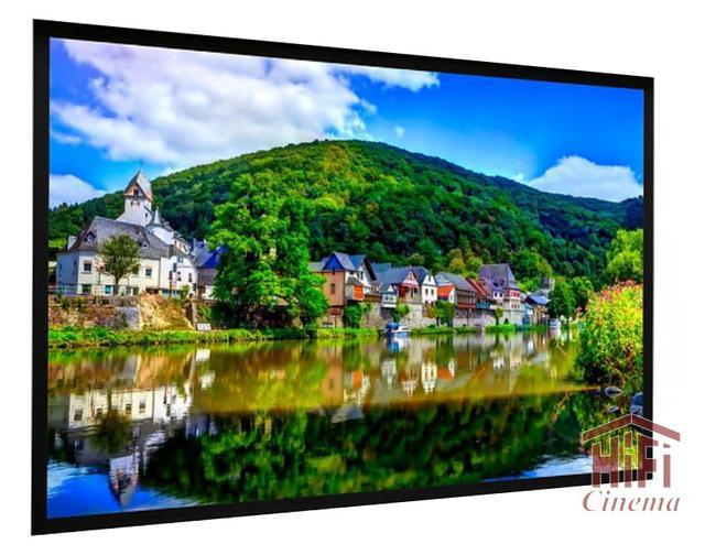 Проекционный экран премиум класса Projecta HomeScreen  Deluxe