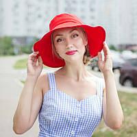 Шляпа красного цвета