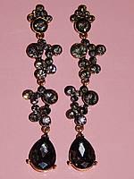 Серьги длинные, серые камни, металл под золото 000332