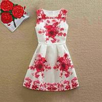 Платье женское жаккардовое с небольшими красными цветами