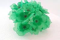 Цветы искусственные из ткани зеленые