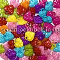 Пластиковые бусины, подвески  Цена за 20 грамм (прим. 30шт)