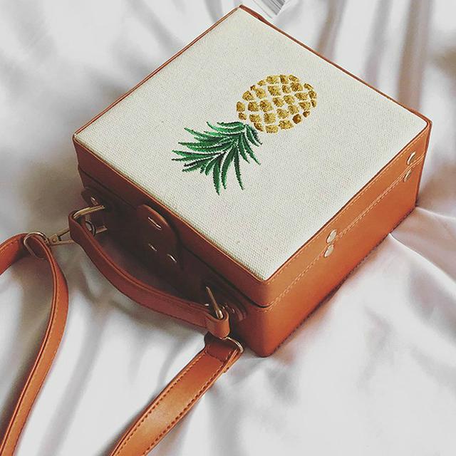 Модная каркасная сумка с ананасом