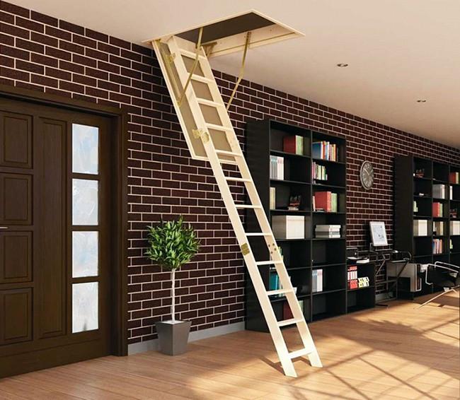 Деревянная трехсекционная чердачная лестница FAKRO LWS Smart 130х60 - Интернет магазин budsite в Киеве