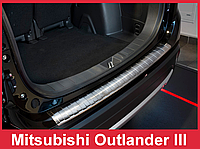 Накладка на бампер с загибом и ребрами Mitsubishi Outlander 3 FL
