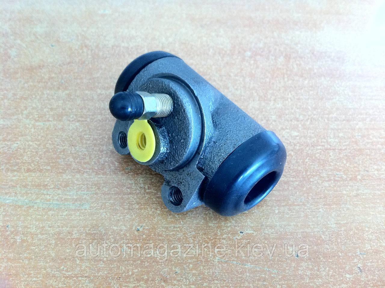 Цилиндр тормозной рабочий задний УАЗ (новый образец)