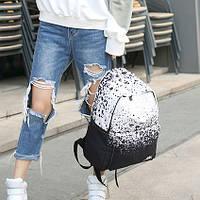 Черно-белый рюкзак для городских прогулок
