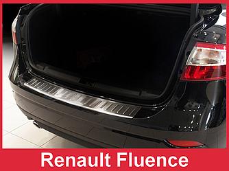 Накладка на бампер с загибом и ребрами Renault Fluence