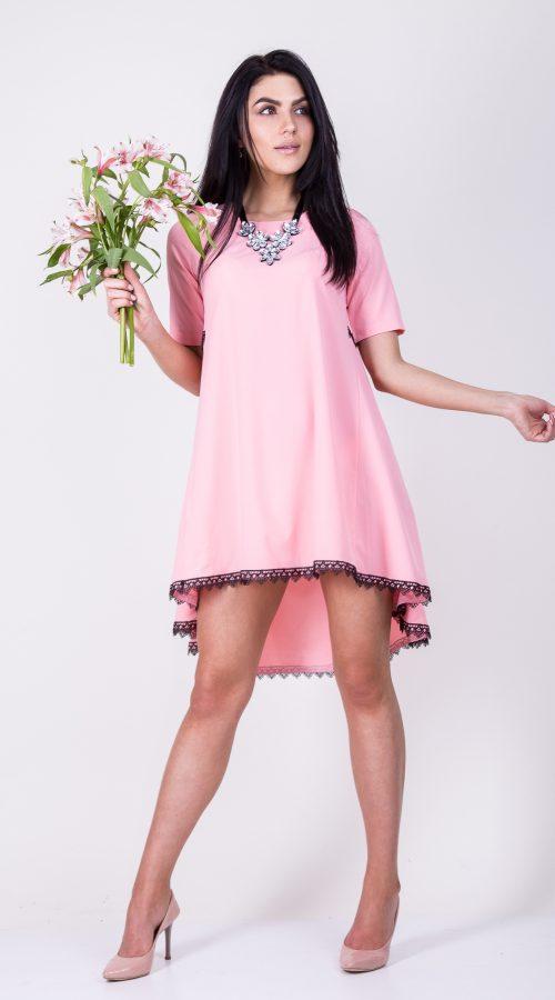 c989b742477 Великолепное нежно-розовое платье со вставками черного кружева размер  44